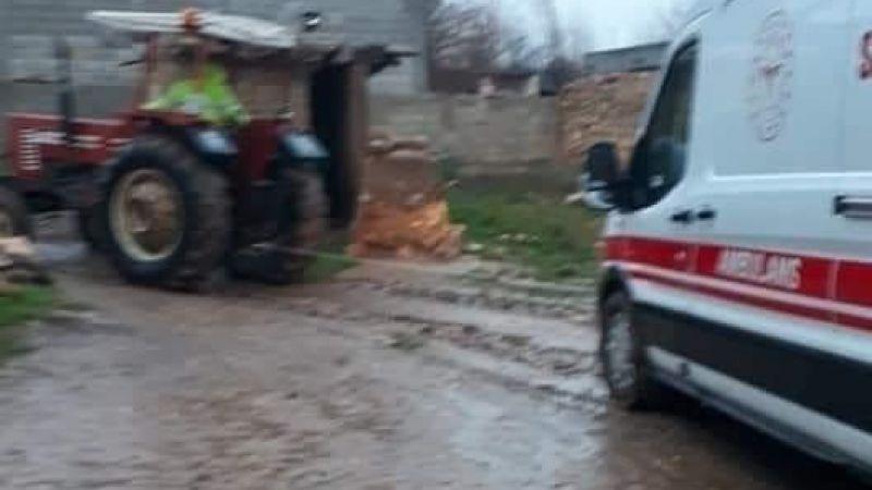 Ambulansın imdadına köylüler yetişti!