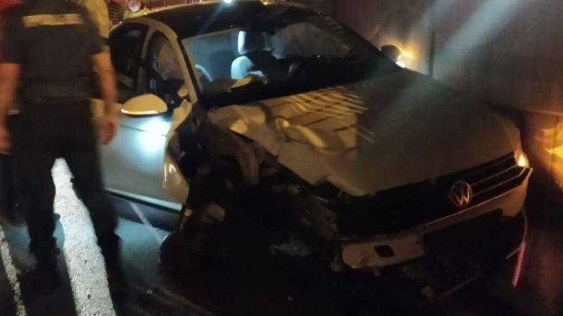 Urfa'daki kazada araca sıkıştılar: İtfaiye ekipleri müdahale etti!
