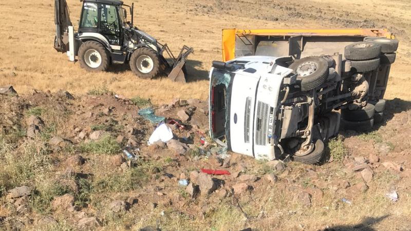 Şanlıurfa'da kamyon kazası! Yaralı var
