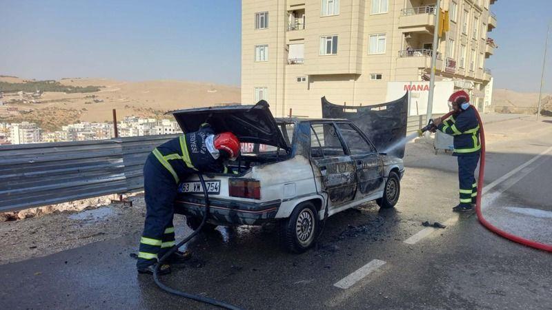 Seyir halindeki araç alev topuna döndü!