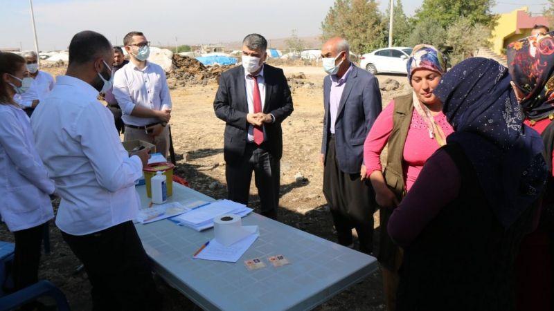 İl Sağlık Müdürü de katıldı: Mobil aşı ekibi Siverek'te köy köy gezdi!