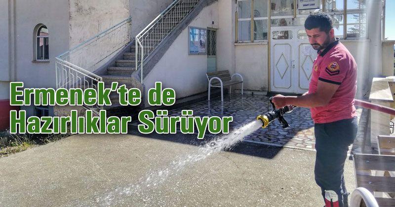 Ermenek'te Camiler Cuma Namazına Hazırlanıyor