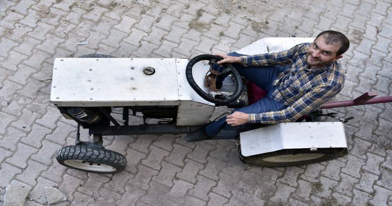 """""""Babası yorulmasın"""" diye sosyal medyadaki videoları izleyerek traktör yaptı"""