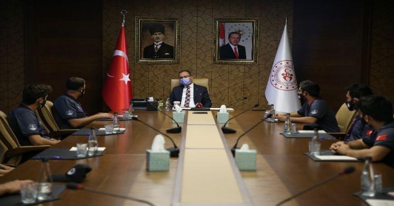 Bakan Kasapoğlu TEKNOFEST'e katılacak gençlerle bir araya geldi