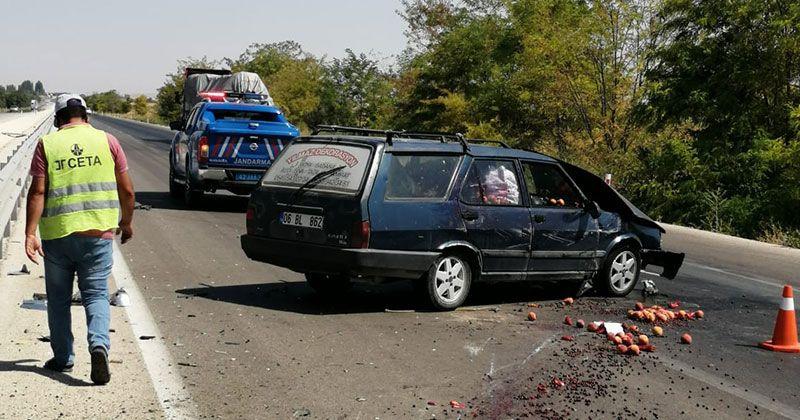 Ereğli'de otomobil bariyerlere çarptı