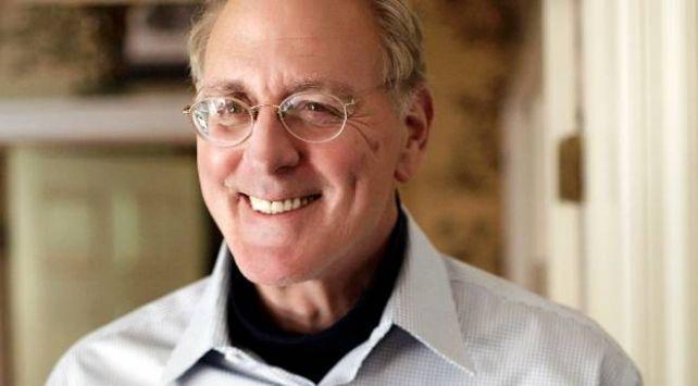 """""""Forrest Gump"""" romanının yazarı Winston Groom 77 yaşında hayatını kaybetti"""
