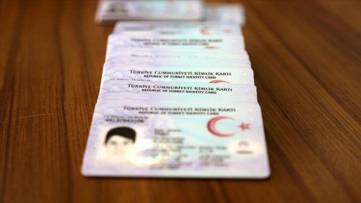 Sürücü belgesi bilgilerini T.C. kimliğe geçirme randevusuna 4 saatte 3 bin 710 kişi başvurdu