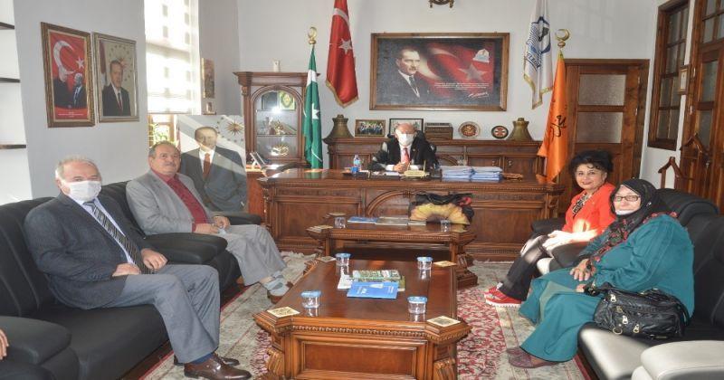 Azerbaycanlı akademisyenlerden Türk halkına teşekkür