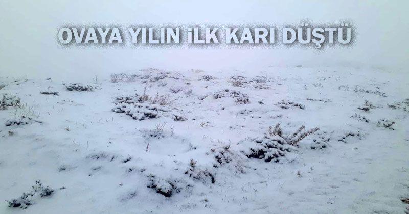 The first snow of the season fell on the plain