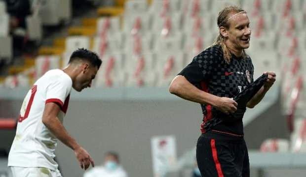 Milli maçta korona şoku! 45 dakika oynayan oyuncu pozitif çıktı!