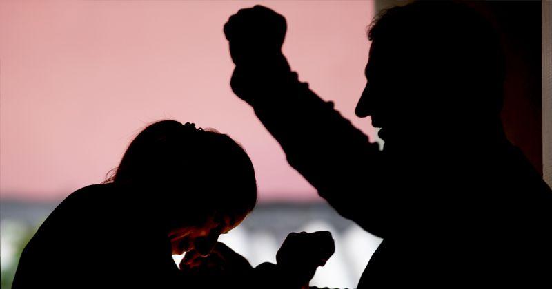 Elektronik kelepçe şiddet mağduru kadını hayata bağlıyor