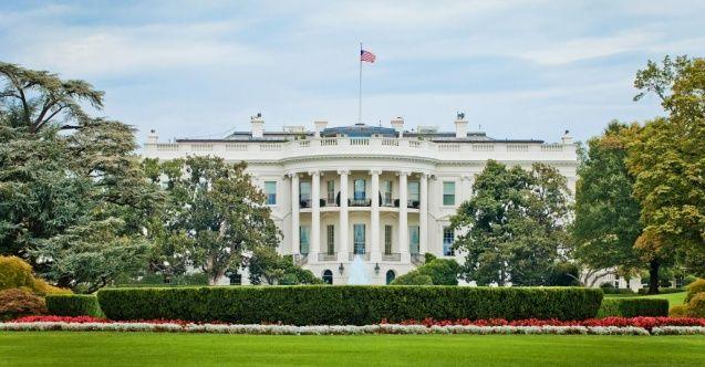 ABD Kongresi'nin 117. dönemi için seçilen üyeler yemin etmeye başladı