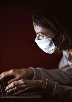 'Aşı'da sosyal medyadaki bilgi kirliliğine dikkat