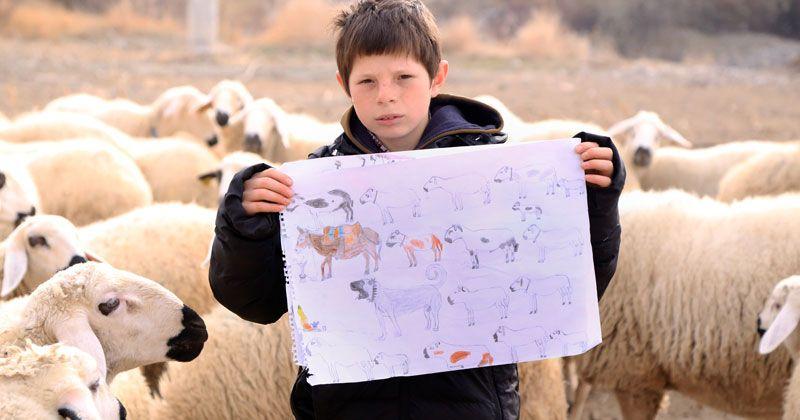 """Konyalı """"küçük çoban"""" yaptığı resimlerle herkesin beğenisini kazanıyor"""