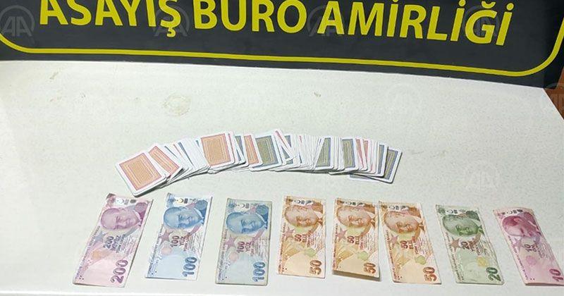 Kovid-19 tedbirlerini ihlal edip kumar oynadılar
