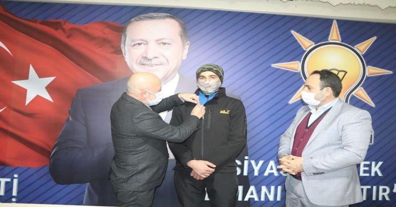 Recep Tayyip Erdoğan AK Partili oldu