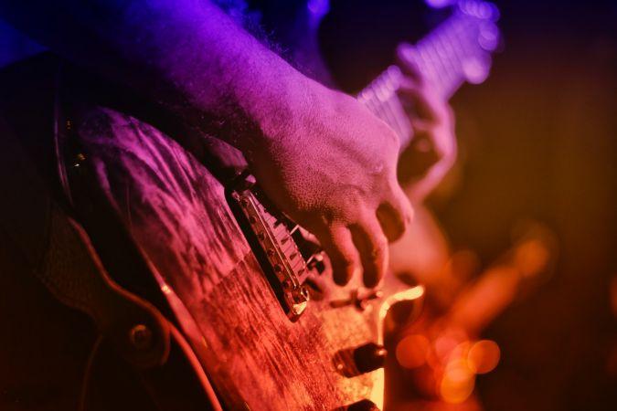 Guitar Lessons on Youtube with Anıl Uzun