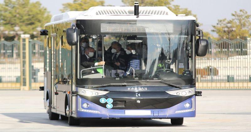 Cumhurbaşkanı Erdoğan, kabine toplantısına sürücüsüz otobüs Karsan Otonom Atak Electric ile gitti