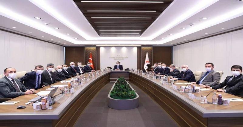Bakan Kurum, MHP'li başkanları kabul etti