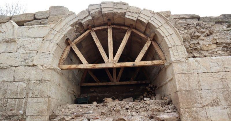 Konuralp antik tiyatroda yeni tonoz bulundu