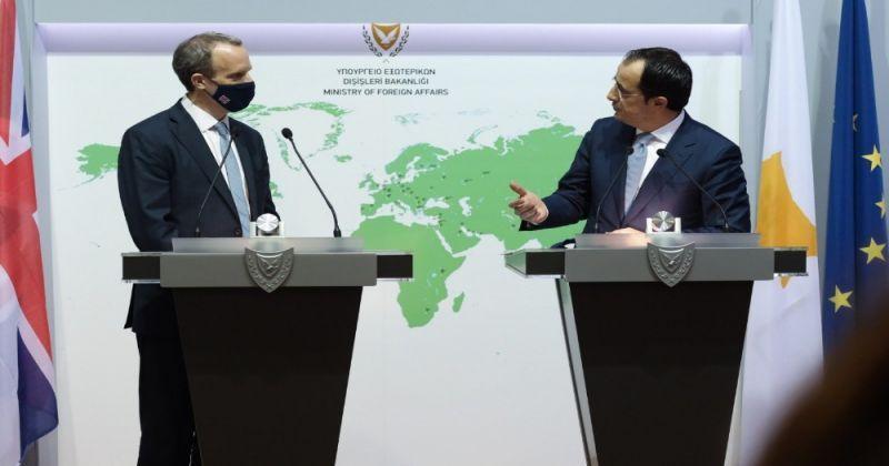 """İngiltere Dışişleri Bakanı Raab: """"Kıbrıs sorunun çözülmesine yardımcı olmada rolümüzü tam oynayacağız"""