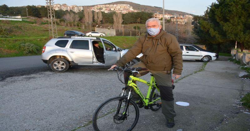 Pandemide toplu taşımayı kullanmak istemeyen öğretmen bisikletine motor taktı