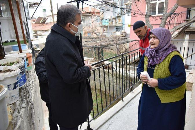 Turuncu kategorideki Karaman'da vali, yine kapı kapı gezip uyarıda bulundu