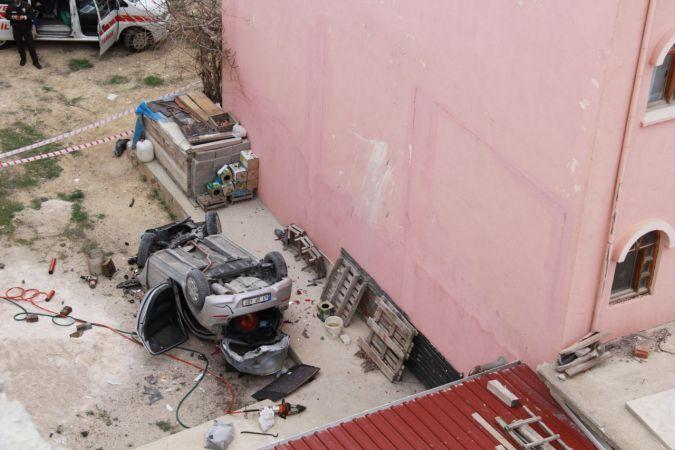 Karaman'da istinat duvarından düşen otomobilin sürücüsü öldü