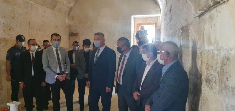 744. Türk Dil Bayramı kapsamında Karamanoğlu Mehmet Bey'in türbesi ziyaret edildi