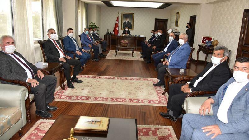 Karaman İl Genel Meclisi heyetinden Vali Işık'a ziyaret