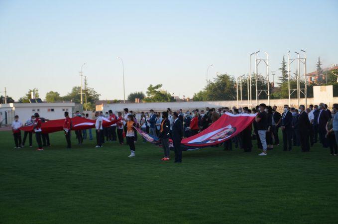 Karaman'da saat 19.19'da İstiklal Marşı okundu