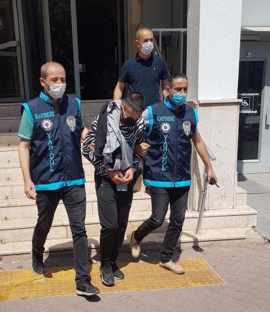 Telefonla aradıkları 371 Hollandalıyı 73 milyon TL dolandıran 3 kişiKayseri'de yakalandı