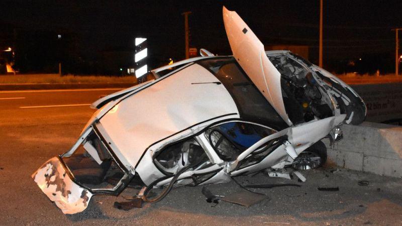 Aksaray'daki trafik kazasında araçtan fırlayarak alt geçide düşen sürücü öldü, 2 kişi yaralandı