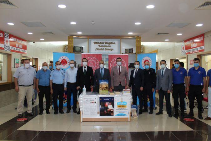 """Karaman'da """"Cezaevine kitap bağışı"""" kampanyası başladı"""
