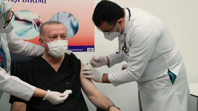 Cumhurbaşkanı Erdoğan kaç doz aşı olduğunu ve antikor seviyesini açıkladı