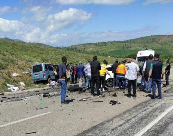 Sivas'ta Feci Kaza! 9 Ölü