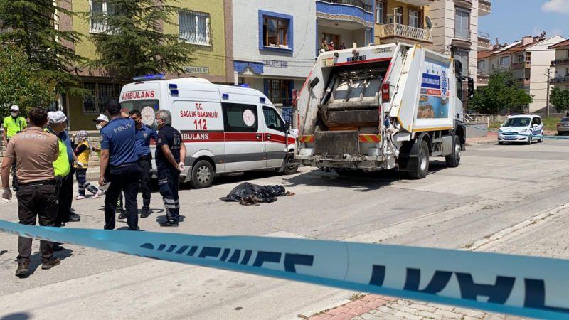 Çöp kamyonunun çarptığı kadın öldü