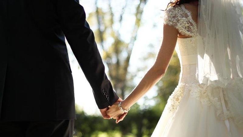 Ortalama düğün fiyatı dudak uçuklattı! Evlenmenin altın hariç maliyeti...