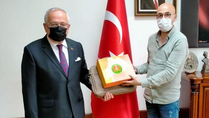 Baro Başkanı Oktay Yılmaz, Rektör Namık Ak'ı ziyaret etti