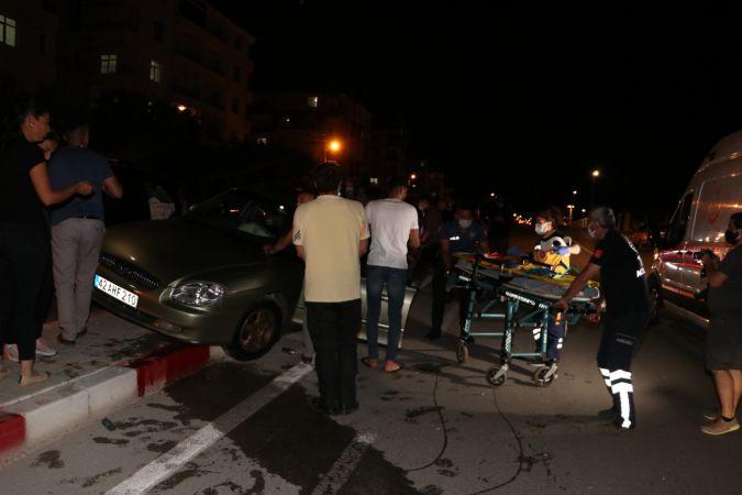 Karaman'da hafif ticari araç ile otomobil çarpıştı: 2 yaralı