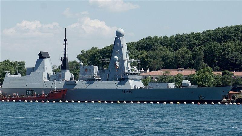 Rusya, Karadeniz'de İngiliz savaş gemisine Rus uçağının uyarı ateşi açtığını bildirdi