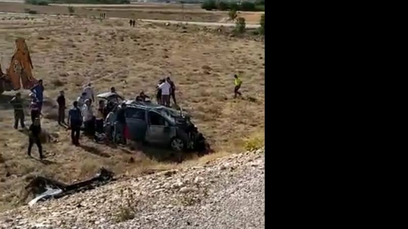 Araç takla attı 10 yaralı