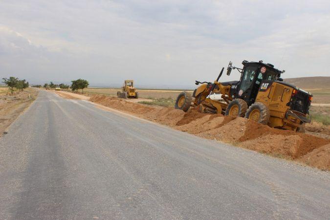 Karaman İl Genel Meclisi Başkanı Çayır, yapımı devam eden köy yollarını inceledi