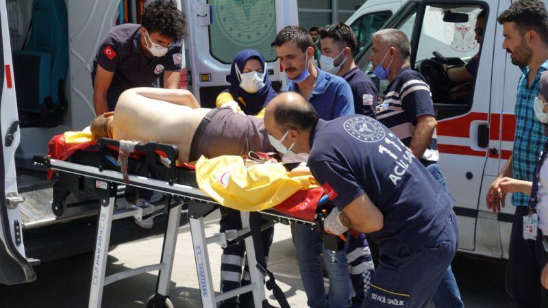 Kurban keserken atardamarını kesti, helikopterle sevk edildi