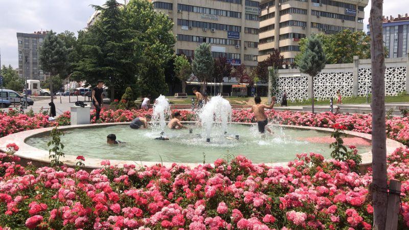 Konya'da sıcaktan bunalan çocukların tehlikeli havuz keyfi