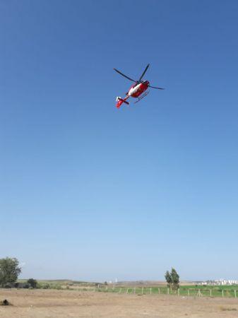 Ambulans helikopter boğulma tehlikesi geçiren çocuk için havalandı