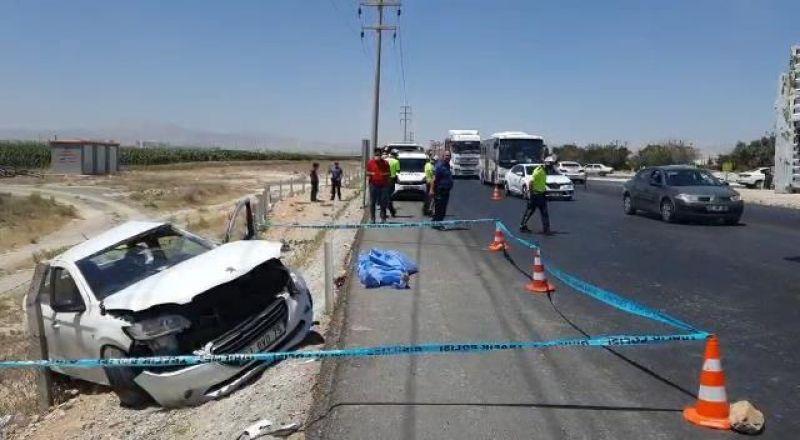Konya'da TIR'ın çarptığı otomobildeki baba ve kızı öldü