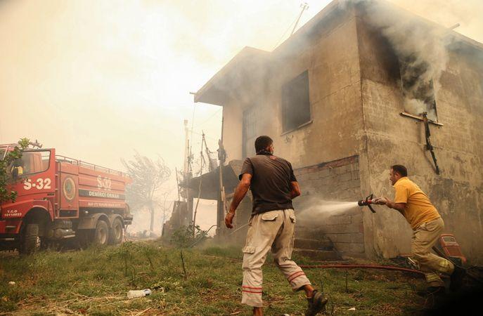 Mahalledeki evlerin yüzde 80'i yandı