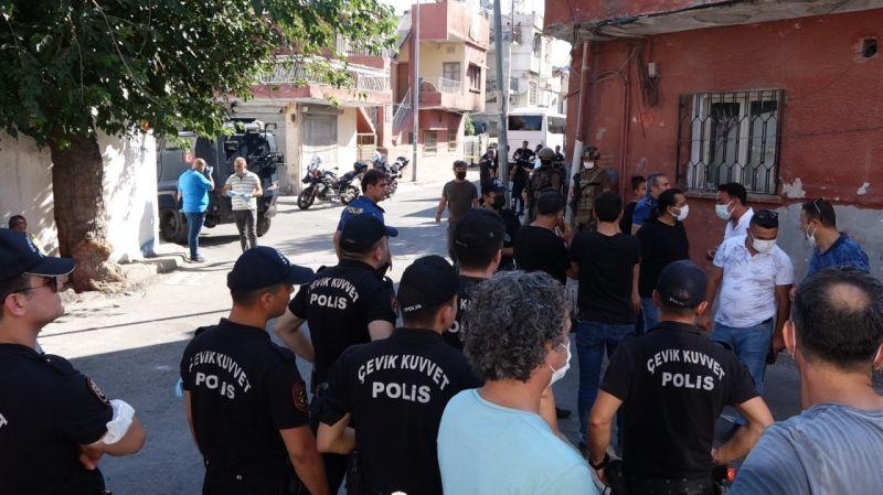 Mersin'de komşular arasında silahlı ve bıçaklı kavga: 3 yaralı