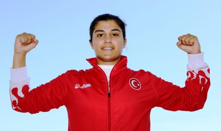Busenaz Sürmeneli olimpiyat şampiyonu oldu